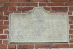 Inskription: Sten fra Rytterskolen  i Linå