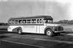 Bus på vej til Ludvigslyst 1957. Foto Johs. Jensen (Silkeborg Arkiv B7399)